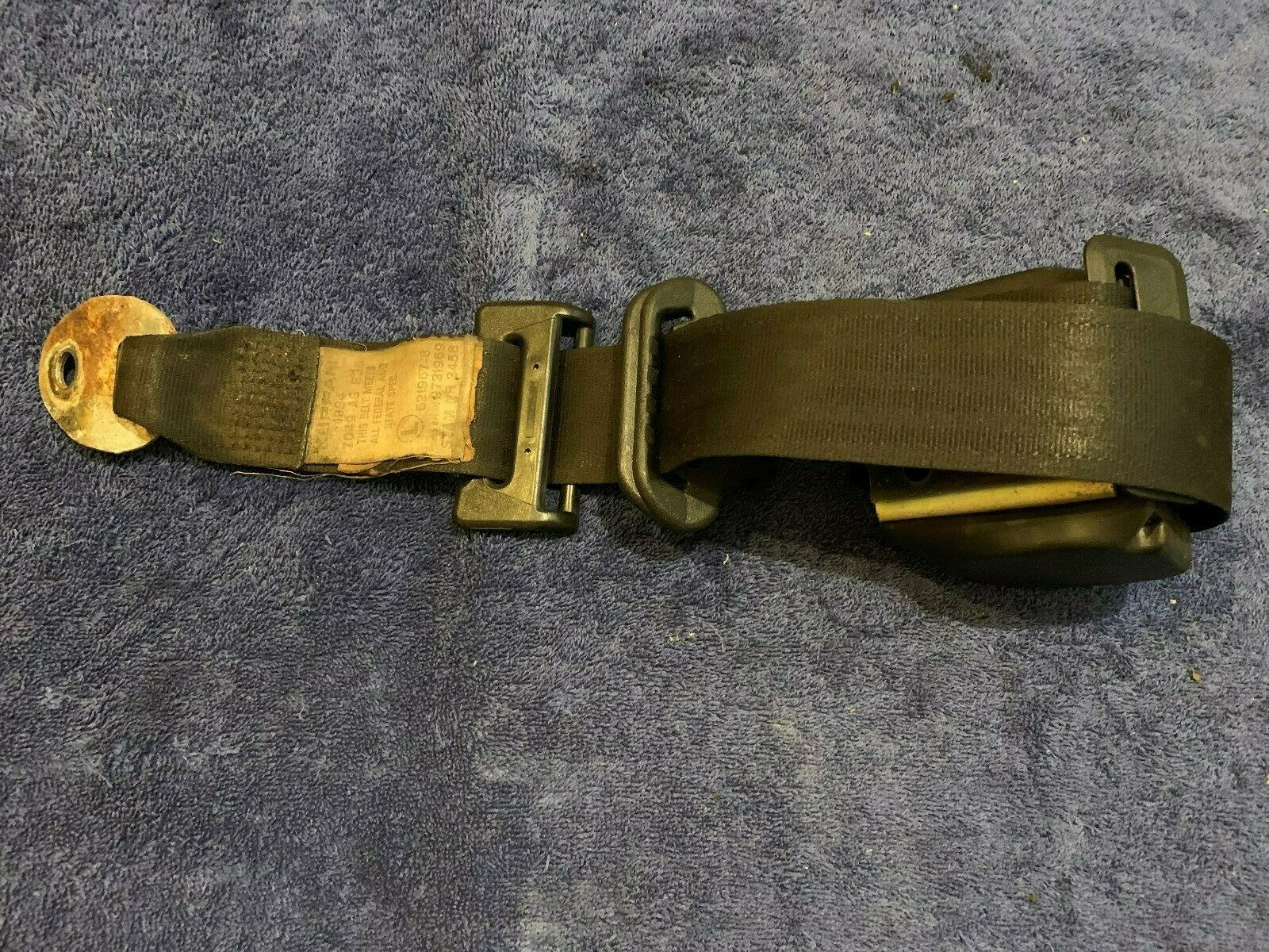 1984 - 1989 Classic Saab 900 Turbo Hatchback Left Rear Seat Belt Re-tractor 97 31 969