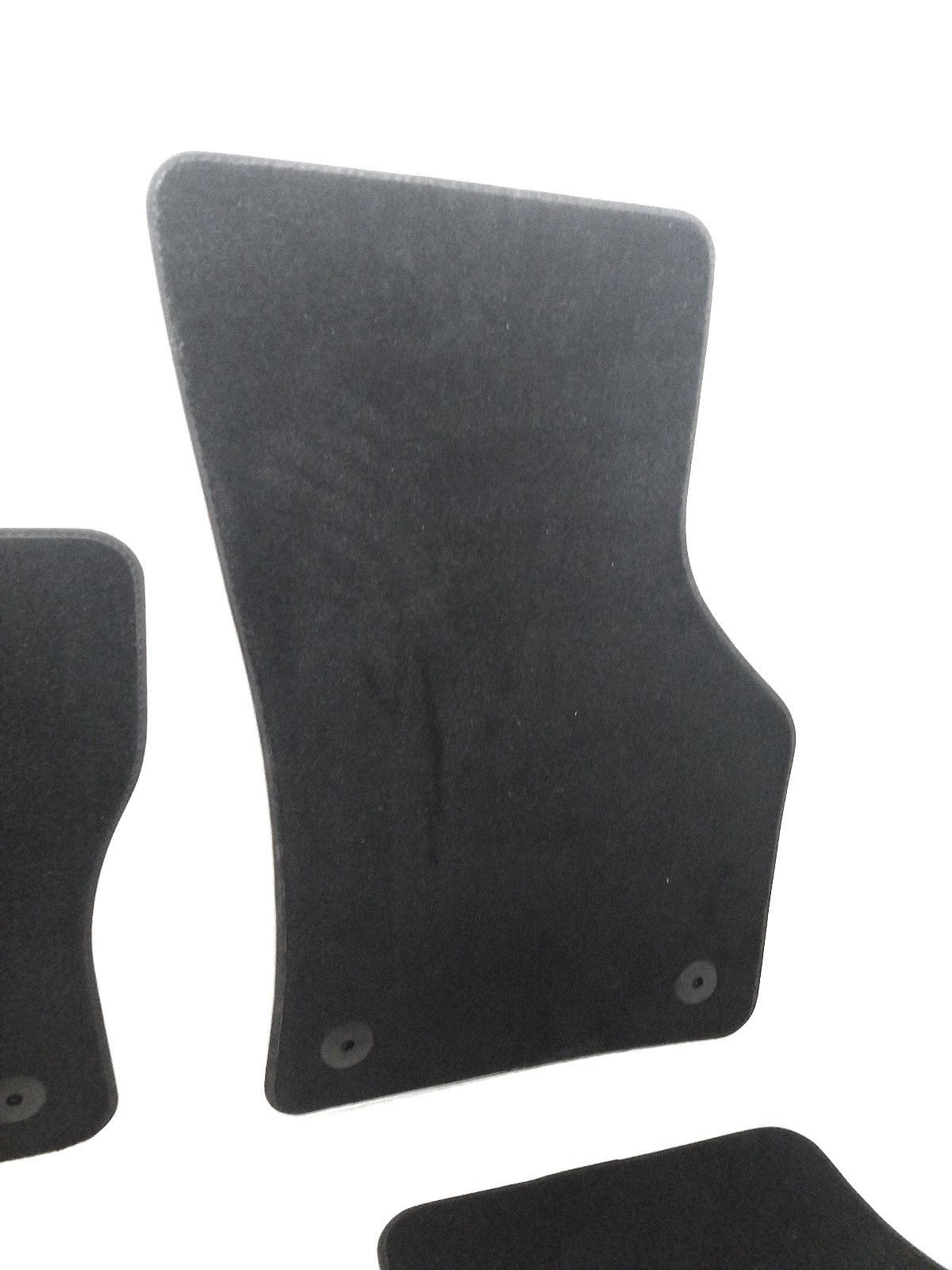 2014-2017 Volkswagen VW Golf/GTI/R Set of 4 OEM Carpet Floor Mats 5GM-864-436  Does not apply DDW-1828-GW4