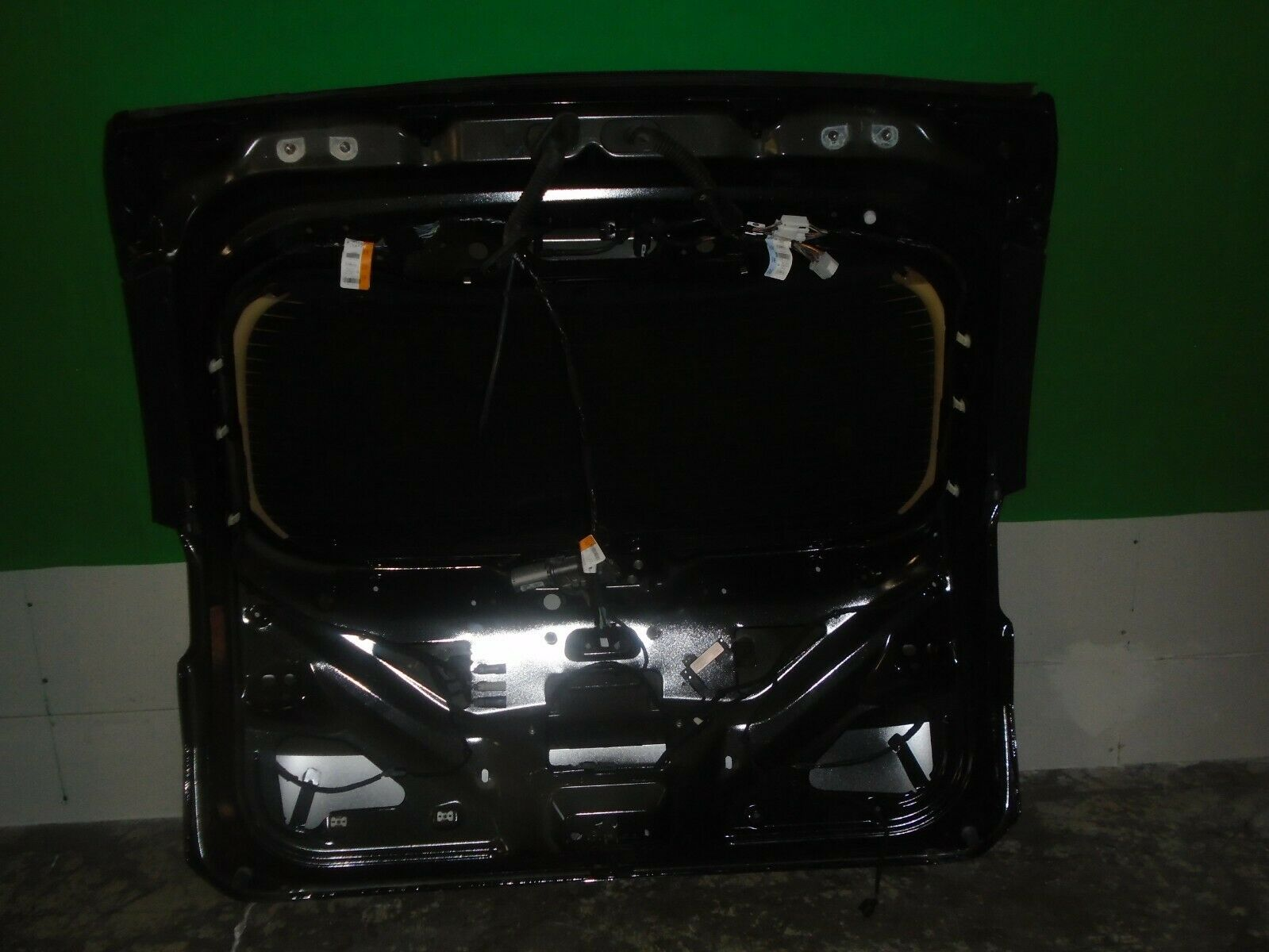 2015 2016 2017 2018 FORD EDGE TAILGATE/LIFTGATE USED OEM FT4Z5840010B  FT4Z5840010B