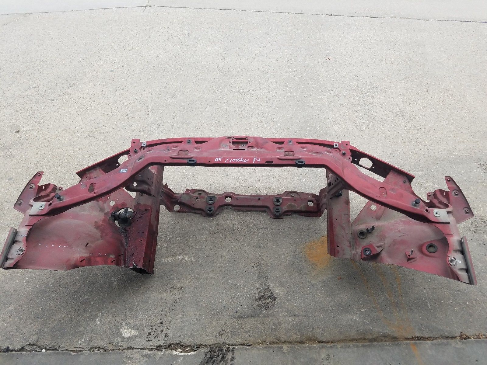 2004-2008 CHRYSLER CROSSFIRE FRONT REINFORCEMENT BAR RADIATOR SUPPORT CUT Does not apply