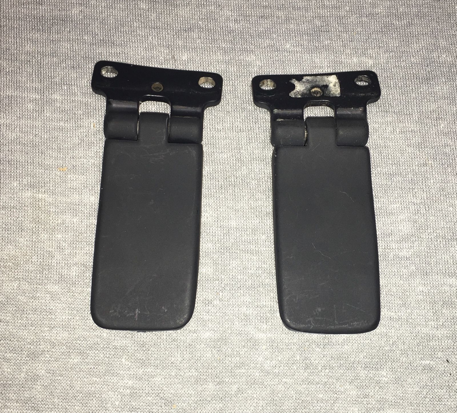 Rear window hinges for 1998 ford explorer rear window hinge
