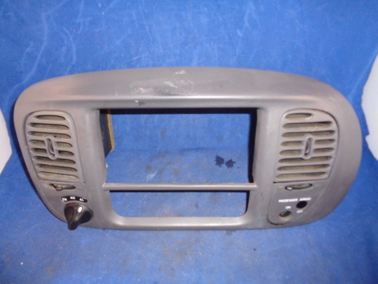 Ford F150 F250 F350 Expedition Gray Trim Center Vents 4x4 Switch Knob 2H 4H 4L Does not apply
