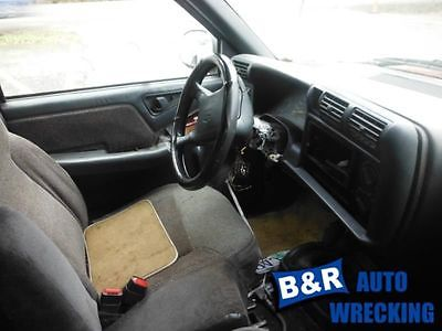 95-00 01 02 03 04 05 S10 BLAZER STEERING GEAR/RACK POWER STEERING 4X4 8740951 551-01649 8740951