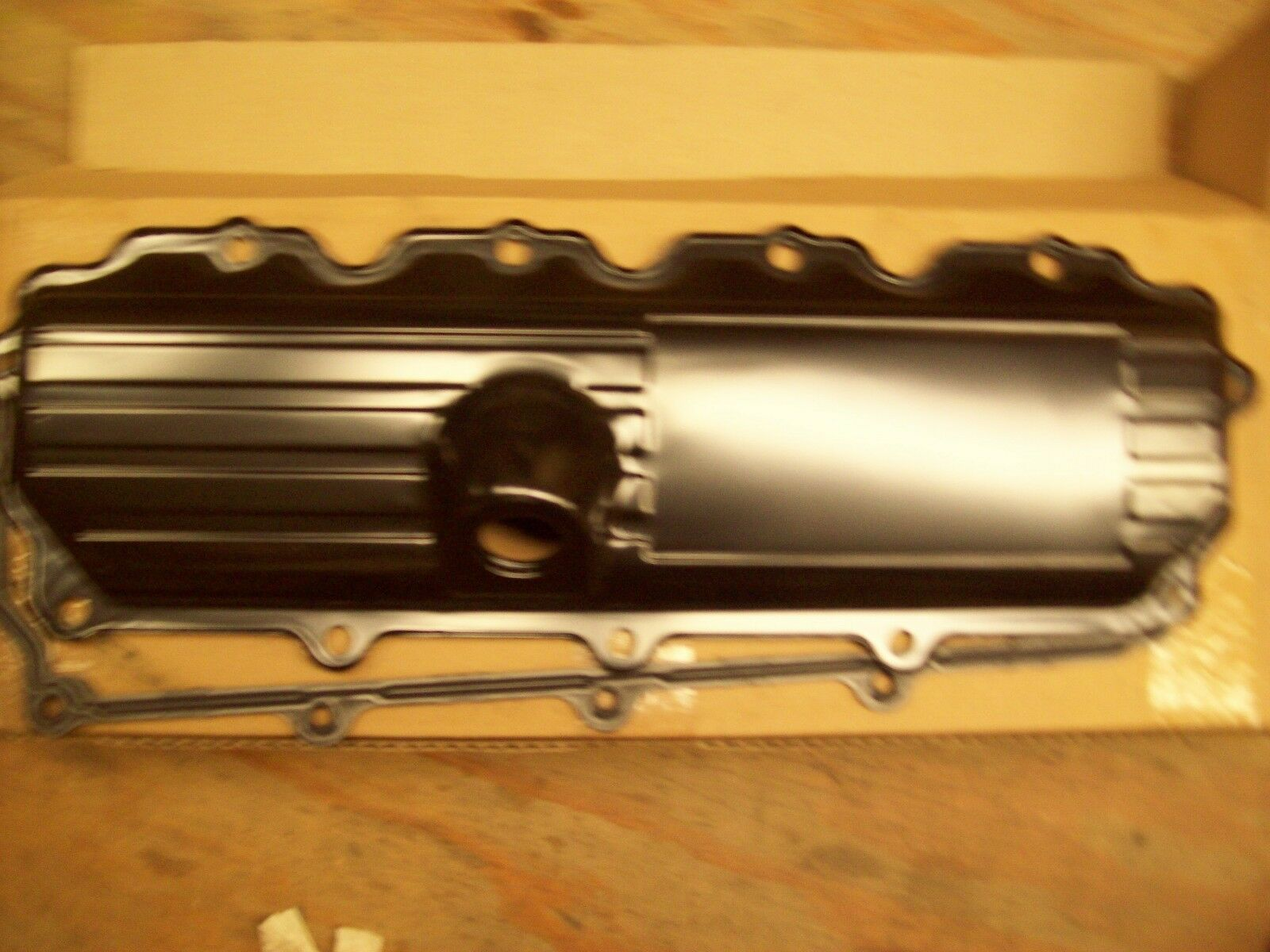 OEM Ford  Right Valve Cover 6.0 diesel 3C3Z6582AA-NEW