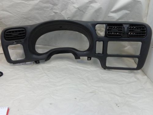2011 Chevy Equinox Bumper furthermore Difference Between A Chevrolet Lt And Ls moreover GM Chevrolet Equinox License Plate Light Bulbs Replacement Guide 011 likewise Venture Rv Sonic Lite 167 Vms likewise Service. on chevy equinox