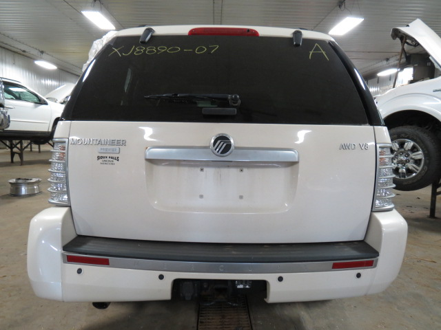 2007 MERCURY MOUNTAINEER JACK 2442218 564.FD3207 2442218