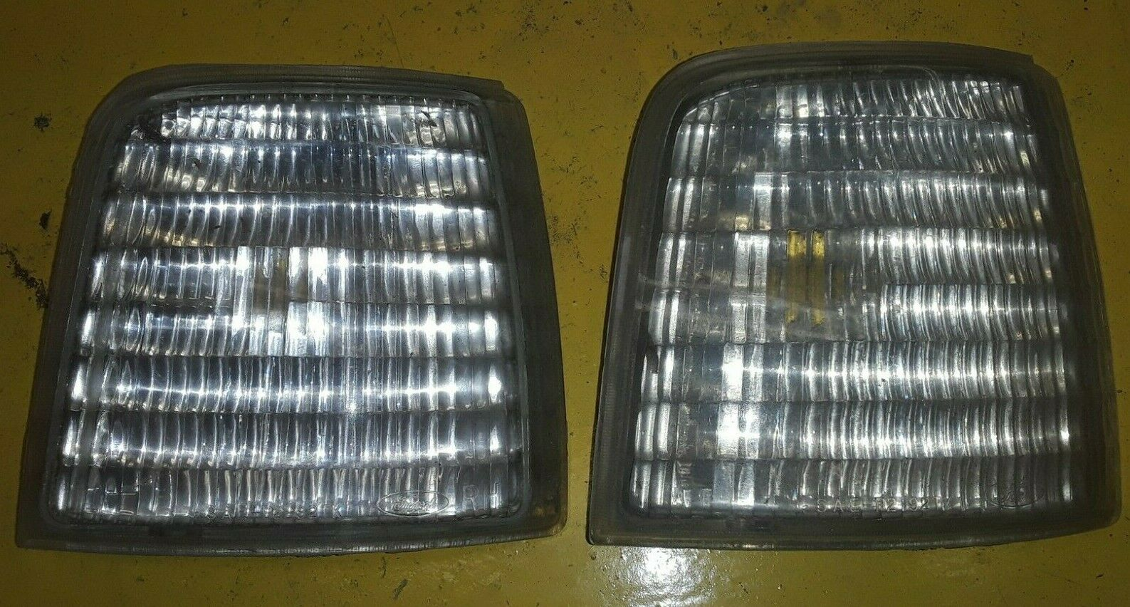 FORD OEM 92-96 BRONCO F150 F250 F350 LH SIDE MARKER LIGHT F2TB-15A428-AD QTY-2 Does not apply