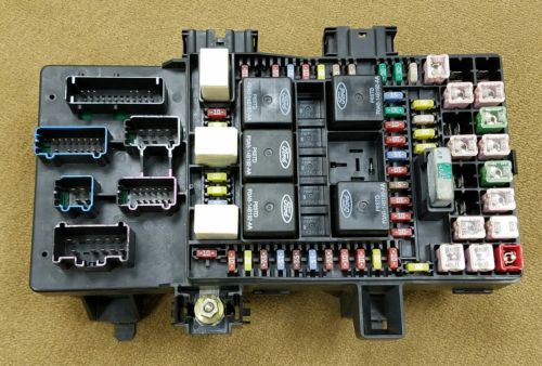 1b77708f a8cb 4460 99b6 74fdd09f0405 03 06 navigator expedition fuse box power distribution oem pn Circuit Breaker Box at soozxer.org