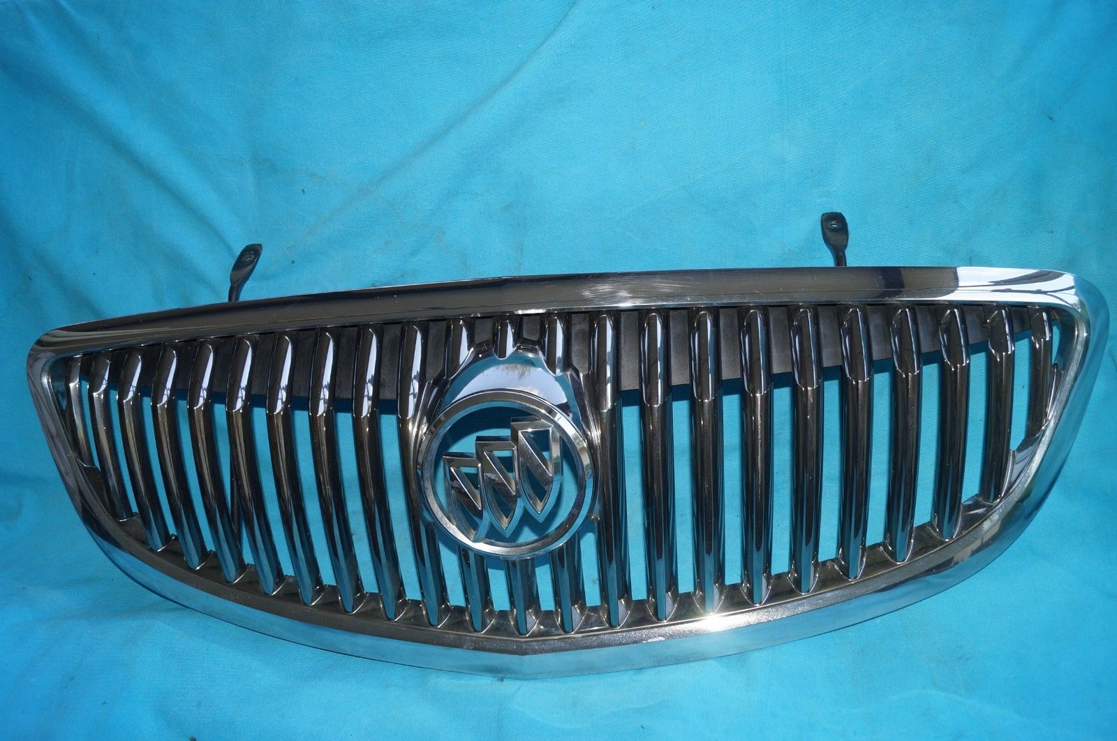 08 09 10 11 12 Buick Enclave Front Chrome Grille GRILL 25854510 , 25901369
