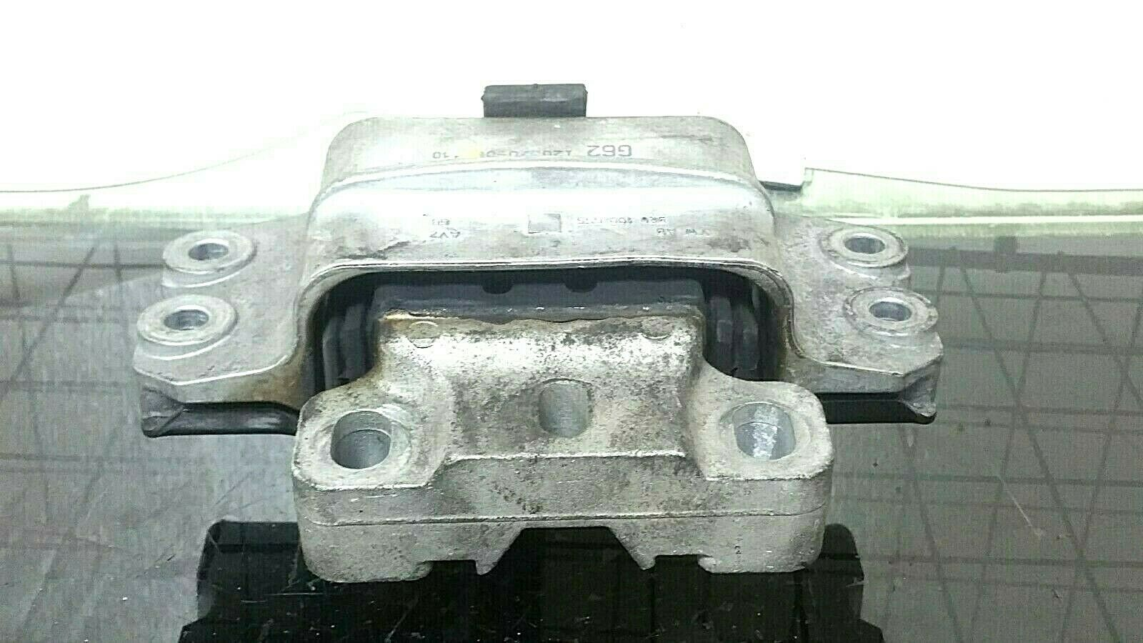 2006-2010 VW PASSAT LEFT ENGINE MOUNT ENGINE MOUNT (3C0199555Q) 3C0199555Q