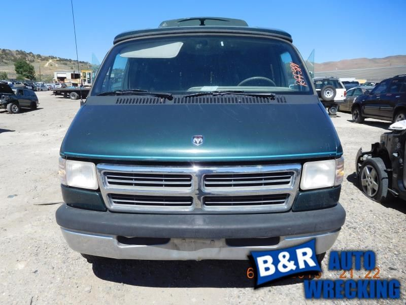 94 DODGE RAM 150 VAN R. CORNER/PARK LIGHT PARK LAMP-TURN SIGNAL BESIDE HEADLAMP 116-00925R 9943272