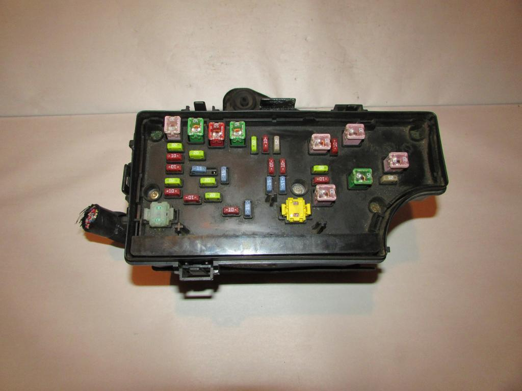 06-10 Chrysler PT Cruiser Relay Fuse Box #280