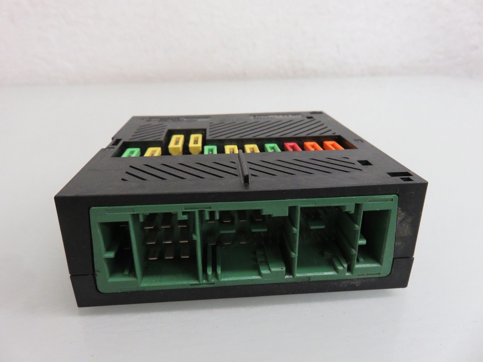 04 - 07 BMW E60 545I 550I INTEGRATED POWER SUPPLY MODULE FUSE BOX OEM 1394370