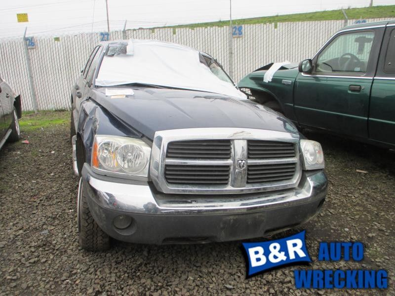 05 DODGE DAKOTA R. CORNER/PARK LIGHT FOG-DRIVING BUMPER MOUNTED 8481815 8481815