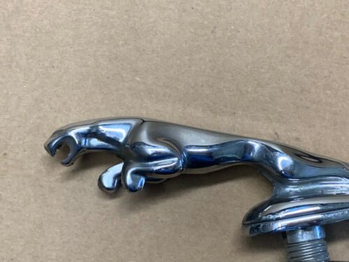 OEM  JAGUAR LEAPER LEAPING CAT HOOD ORNAMENT VINTAGE 7 INCHES  7 INCHES