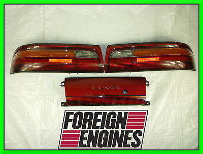 JDM TOYOTA AE101 COROLLA LEVIN TAIL LIGHTS AND CENTER GARNISH 4AGE 20V