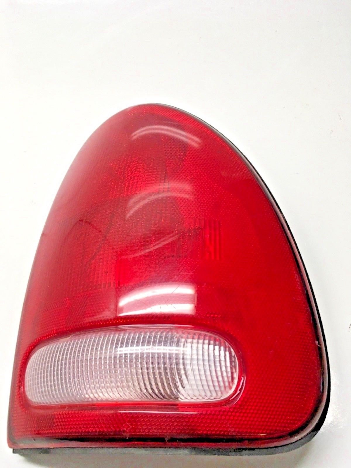 1996-2000 CARAVAN/VOYAGER/1998-2003 DODGE DURANGO BRAKE TAIL LIGHT RIGHT RH Does not apply