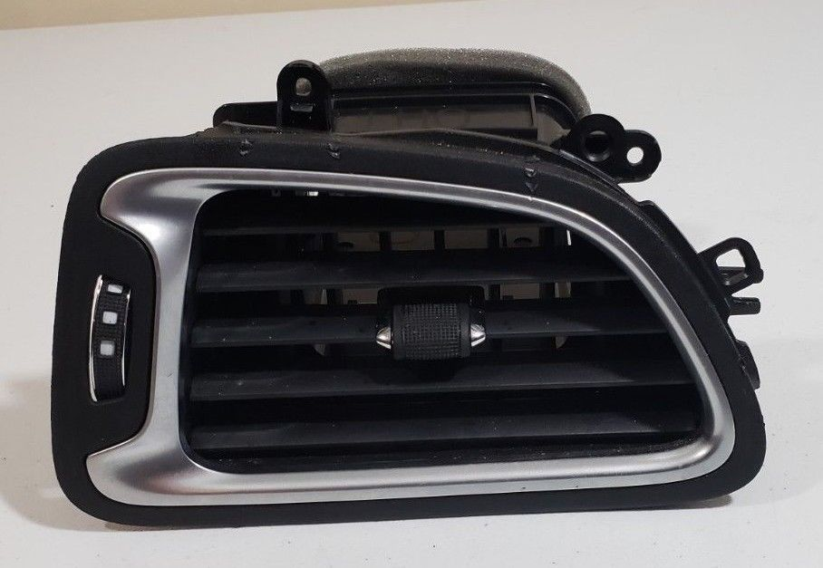 Chrysler 200 Air Conditioning Heater Air Vent Left 1YE47TRMAC OEM 2015 2016 2017 1YE47TRMAC