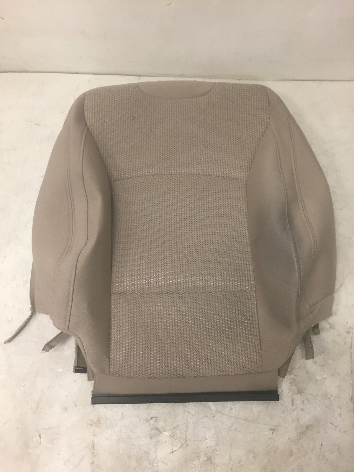 2016 Subaru Outback Front Left Driver Side Upper Cover Original Seat