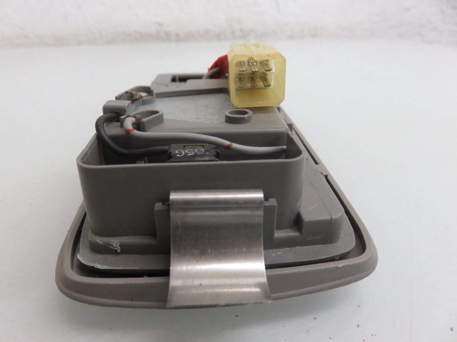 92-96 TOYOTA CAMRY SUNROOF CONTROL SWITCH WITH DOME LIGHT OEM