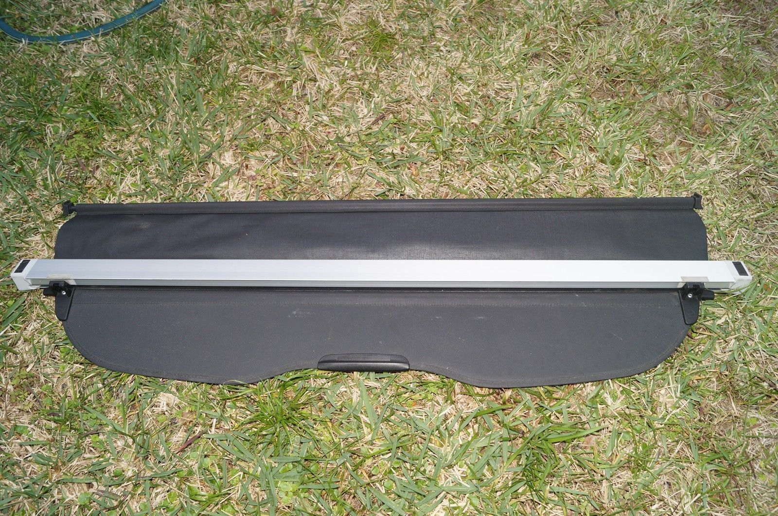 SUBARU FORESTER CARGO COVER RETRACTABLE PRIVACY SHADE a048114 SUBFORESTER