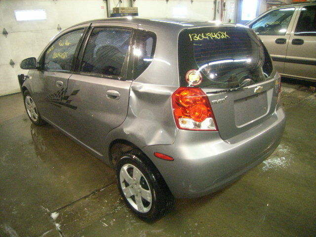 07 Chevy Aveo Rear Door Moulding 1091 1371a07