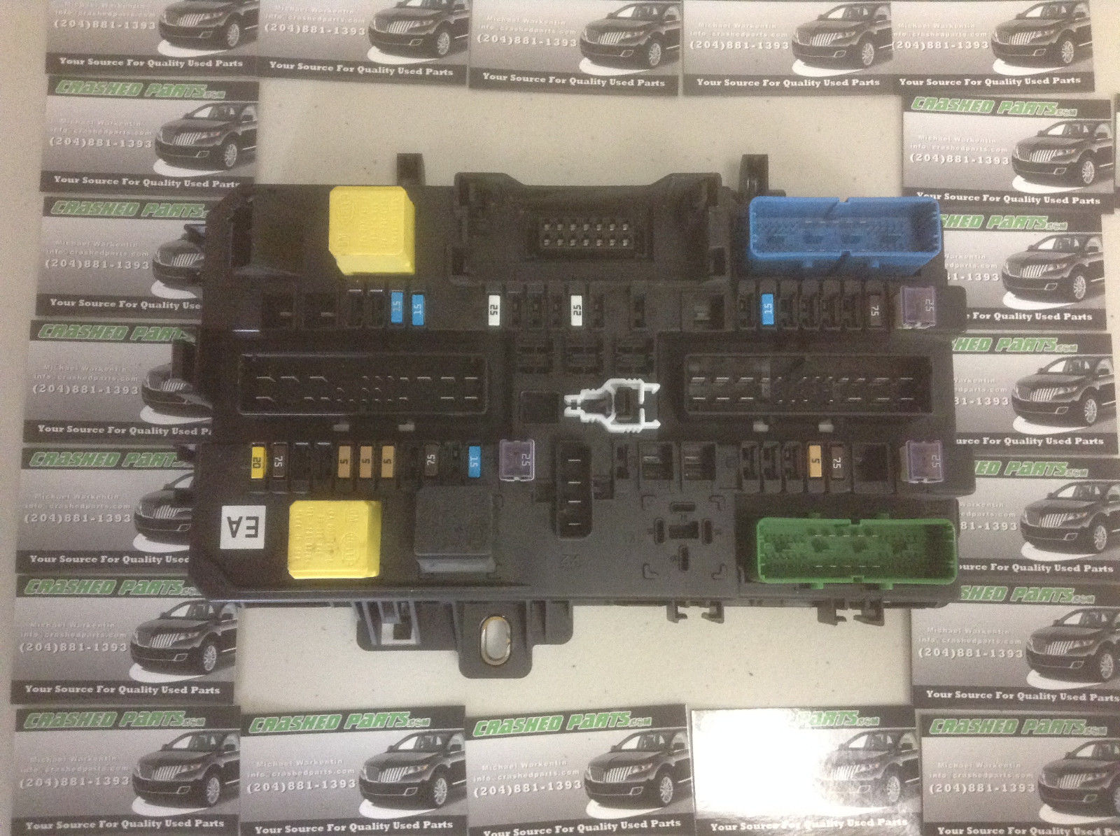 Saturn Astra Left Rear Fuse Box