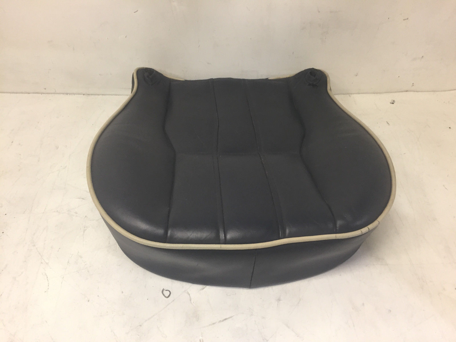 2006 Land Rover Range Rover Front Left Driver Said Lower Leather Original Seat