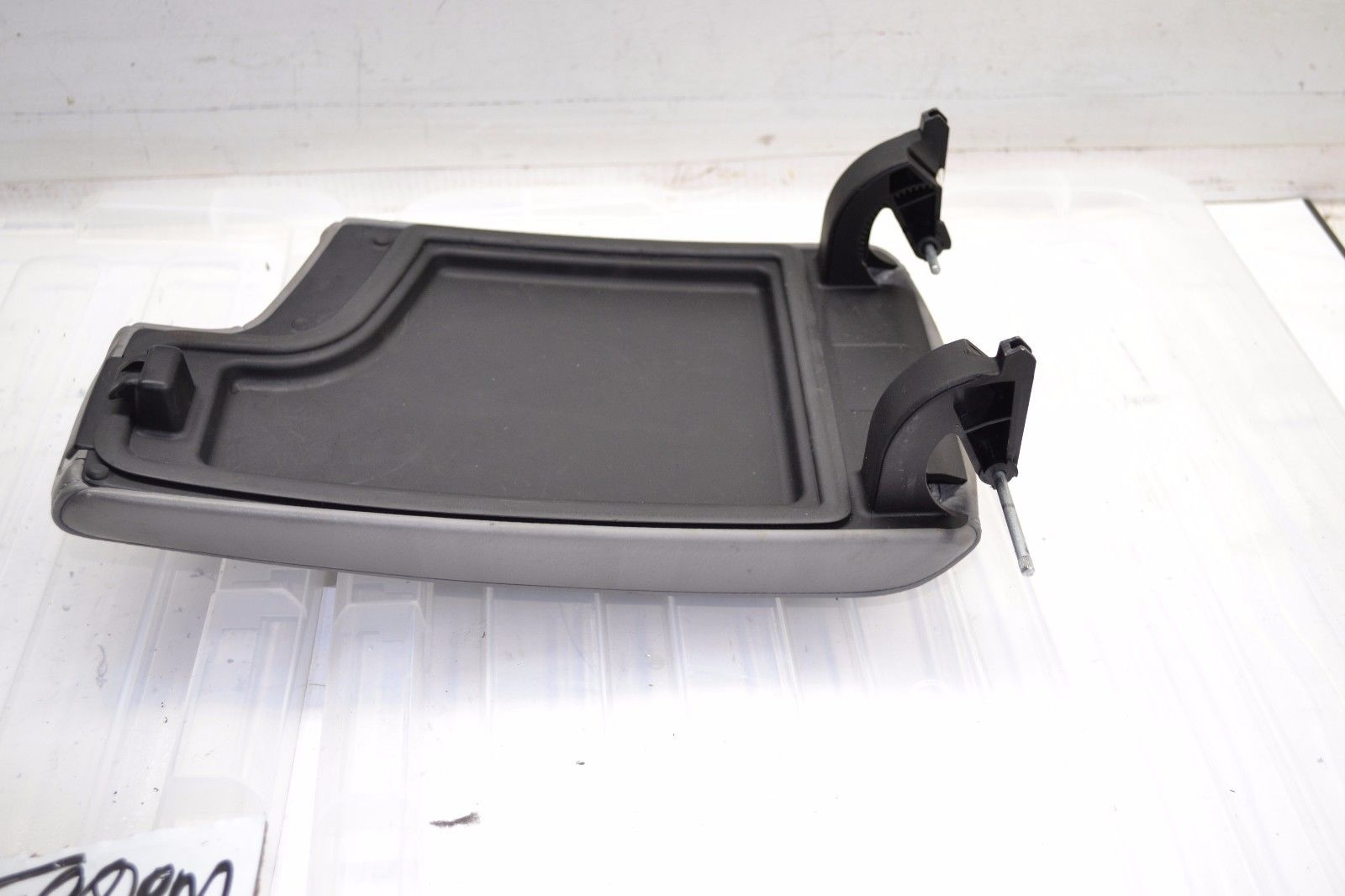2006-2011 BMW E90 325i 328i 330i 335i CENTER CONSOLE ARM REST GREY OEM