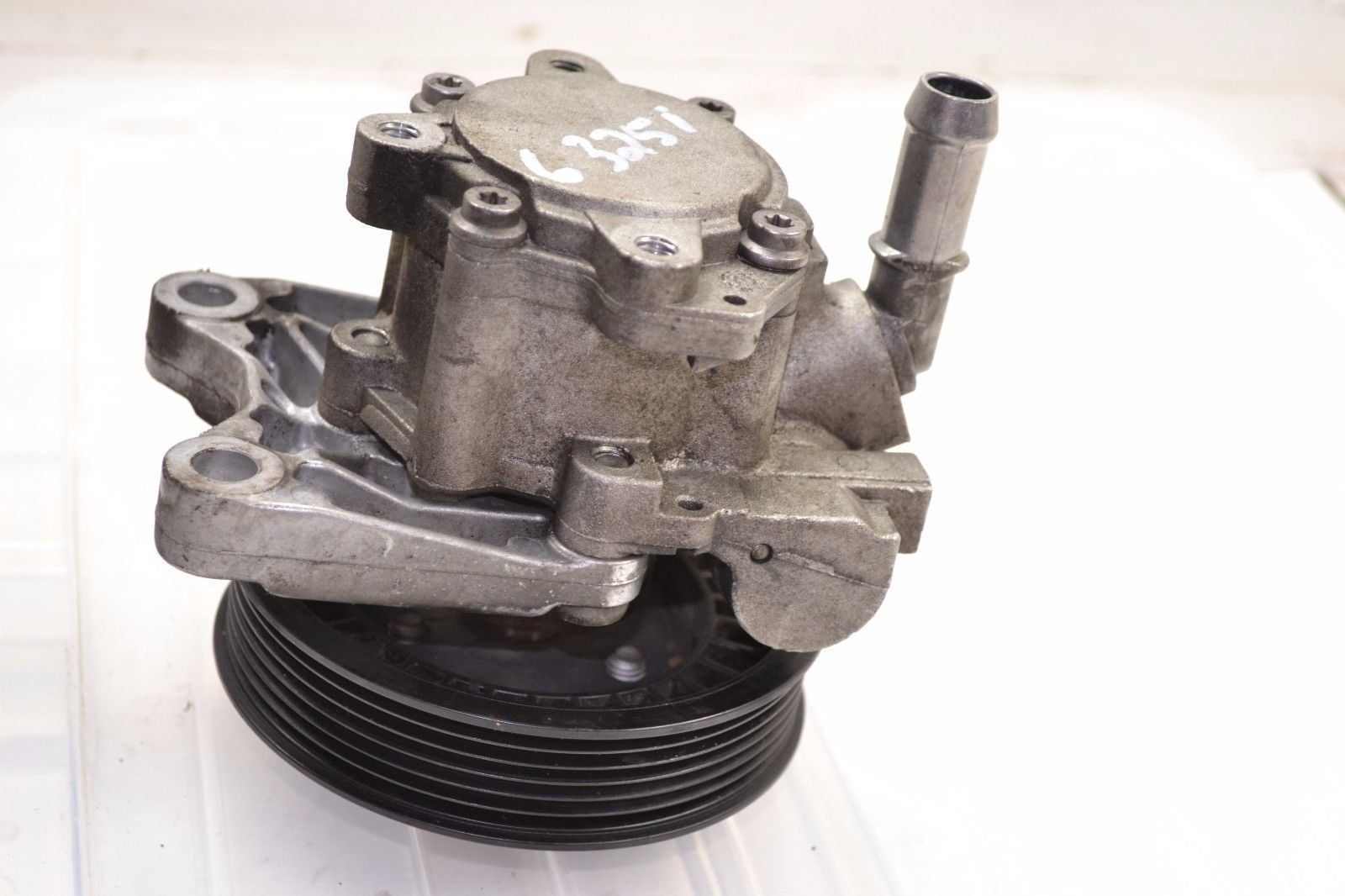 2006-2011 BMW E90 325i 328i 330i STEERING PUMP WITH OUT ACTIVE STEERING