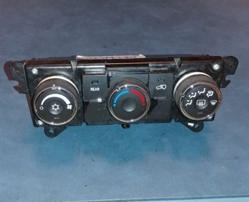 2007-2012 GMC ACADIA HEATER A/C FRONT AND REAR TEMPERATURE  CONTROL 25977431 25977431