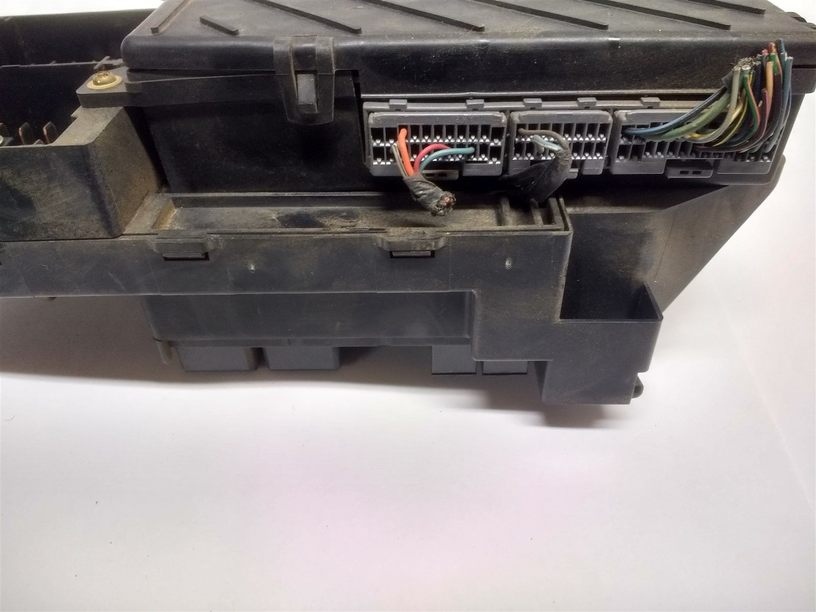 99 04 Ford F150 Interior Dash Fuse Box Junction With Gem Oem Yl3t F 150 14a067