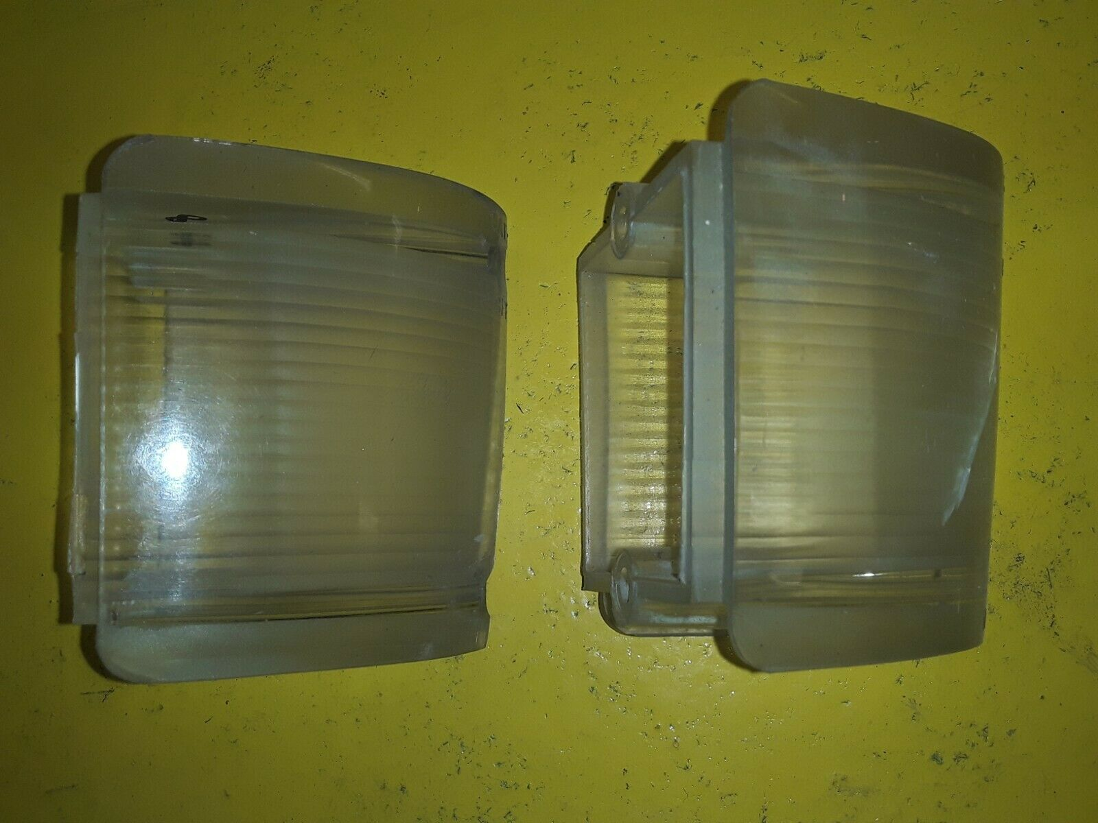 Ford OEM 1968 69 FAIRLANE Torino RH parking light LENS C80Z-13209-A SET OF 2 Does not apply