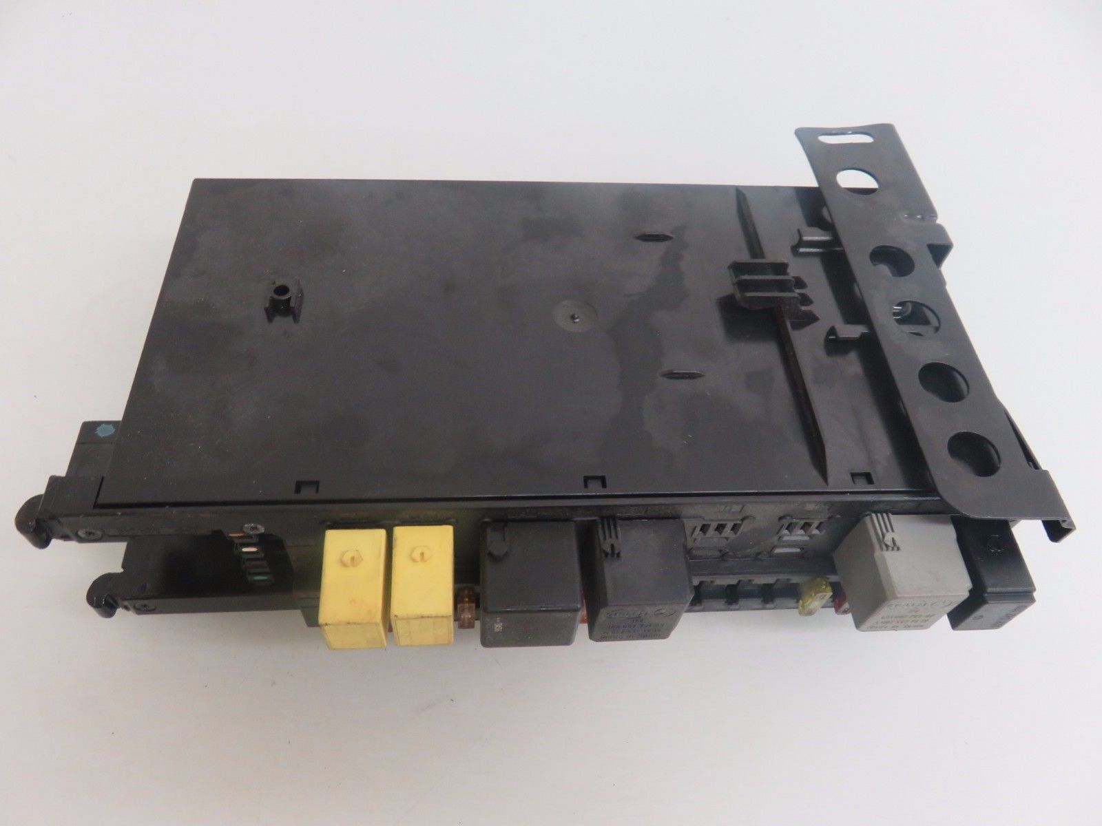 03 06 Mercedes W209 Clk500 Rear Relay Sam Fuse Box Oem 2095450901