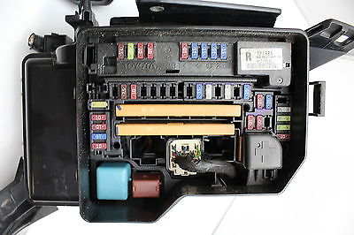 08 09 10 toyota highlander 82720 48050 fusebox fuse box relay unit rh justparts com 1999 Toyota Highlander 2008 highlander fuse box locations
