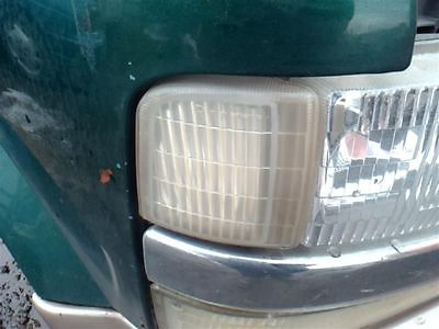 95-00 01 02 03 04 05 CHEVY ASTRO R. CORNER/PARK LIGHT CORNERING BESIDE HEADLAMP 116-02339R 8584468