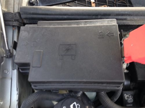 2003 pontiac aztek base under hood relay fuse box 646 gm2j01. Black Bedroom Furniture Sets. Home Design Ideas