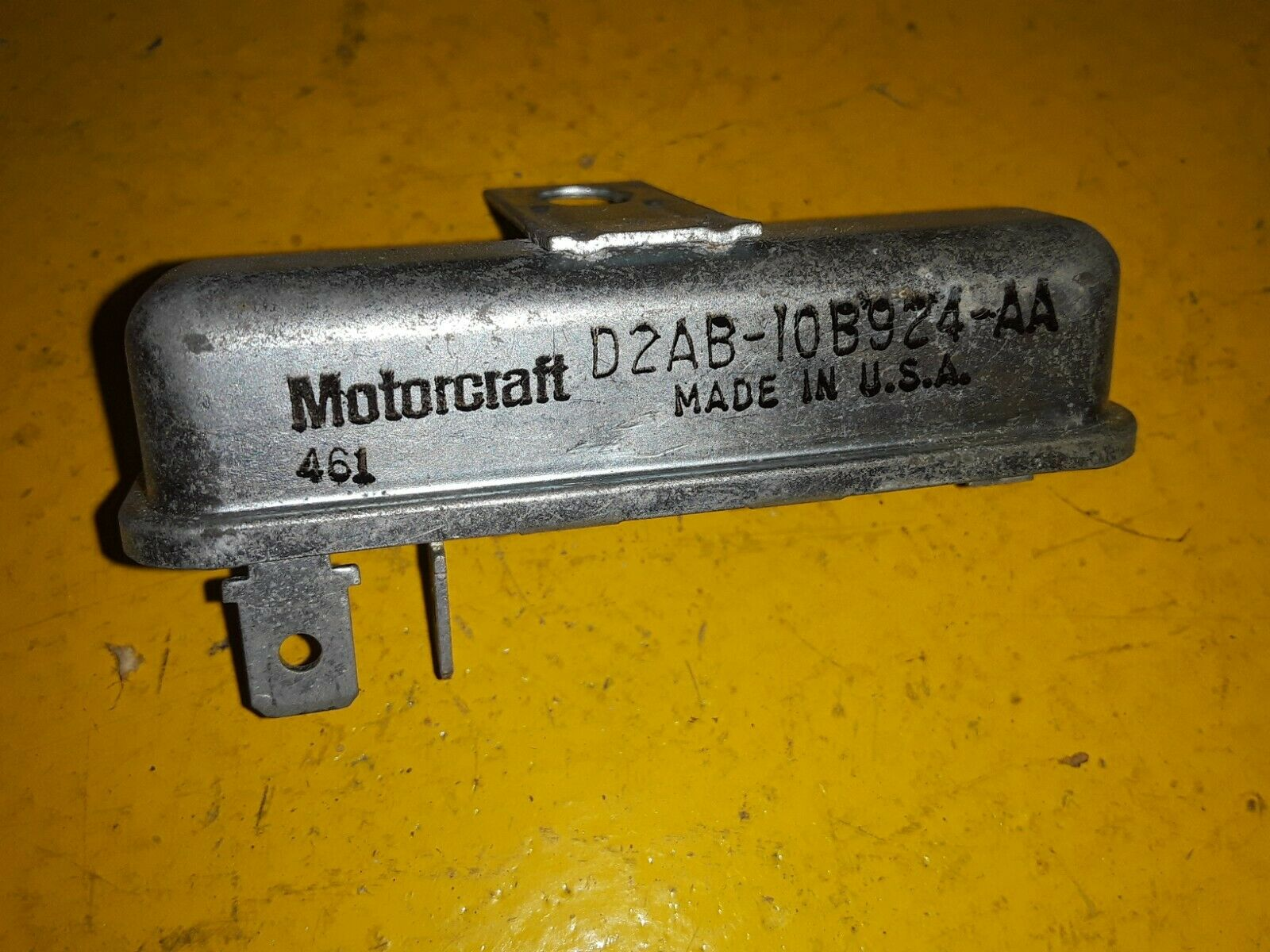NOS FORD SEAT BELT WARNING RELAY SW-1094 / D2AB-10B924-AA / D1AZ-10B924-A Does not apply
