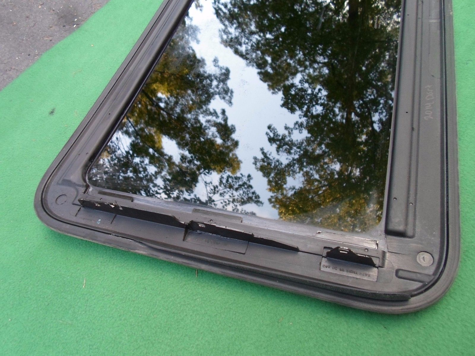 2013 DODGE DART OEM FACTORY YEAR SPECIFIC SUNROOF GLASS FREE SHIPPING!  Does Not Apply