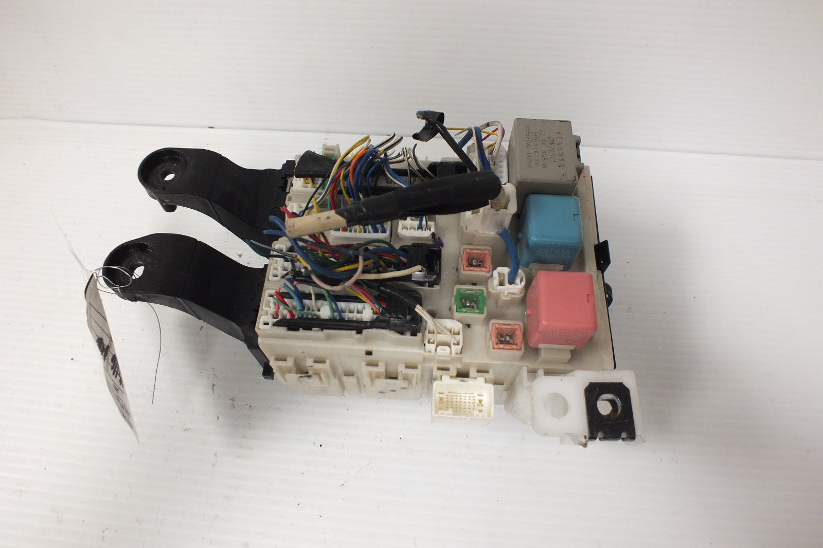 2009 10 11 12 13 TOYOTA COROLLA 1.8L LE JUNCTION RELAY FUSE BOX 82730-