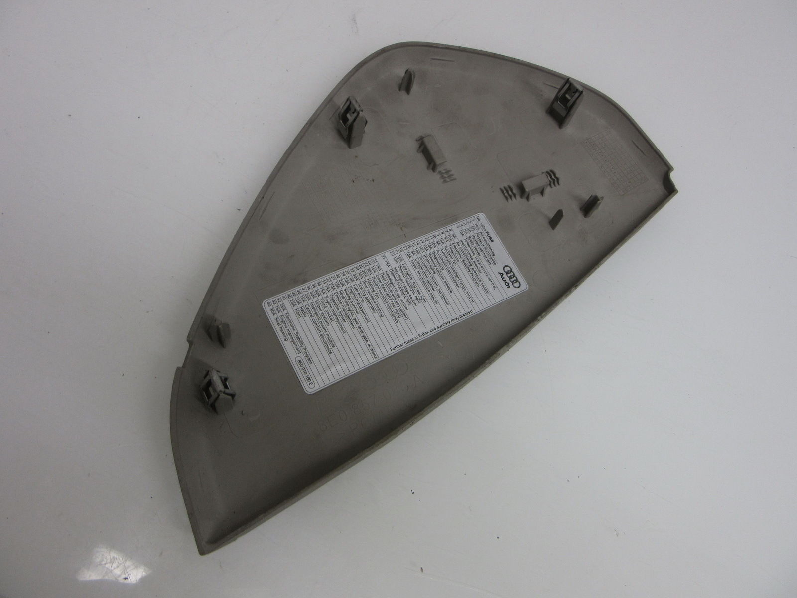 02 03 04 05 AUDI A4 FRONT LEFT FUSE BOX TRIM COVER PANEL 8E0857085 OEM 8E0