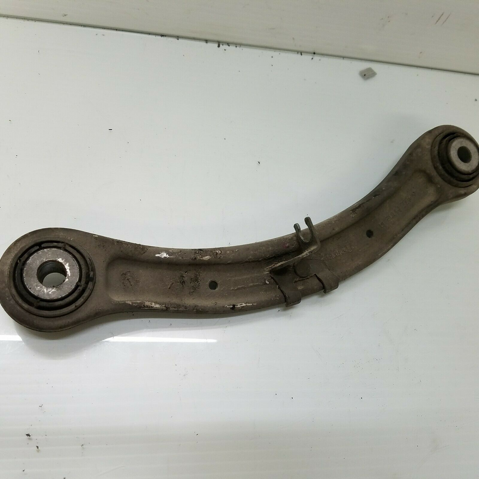 2003-2006 PORSCHE CAYENNE REAR RIGHT UPPER FORWARD CONTROL ARM OEM 7L0505375 Does not apply Po11Cay