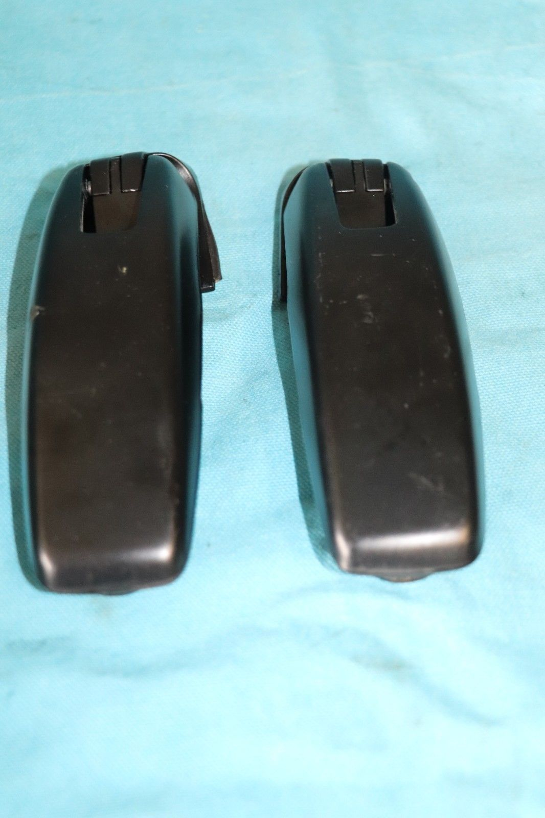 LINCOLN NAVIGATOR FORD EXPEDITION REAR BACK GLASS WINDOW HINGES  bolts included