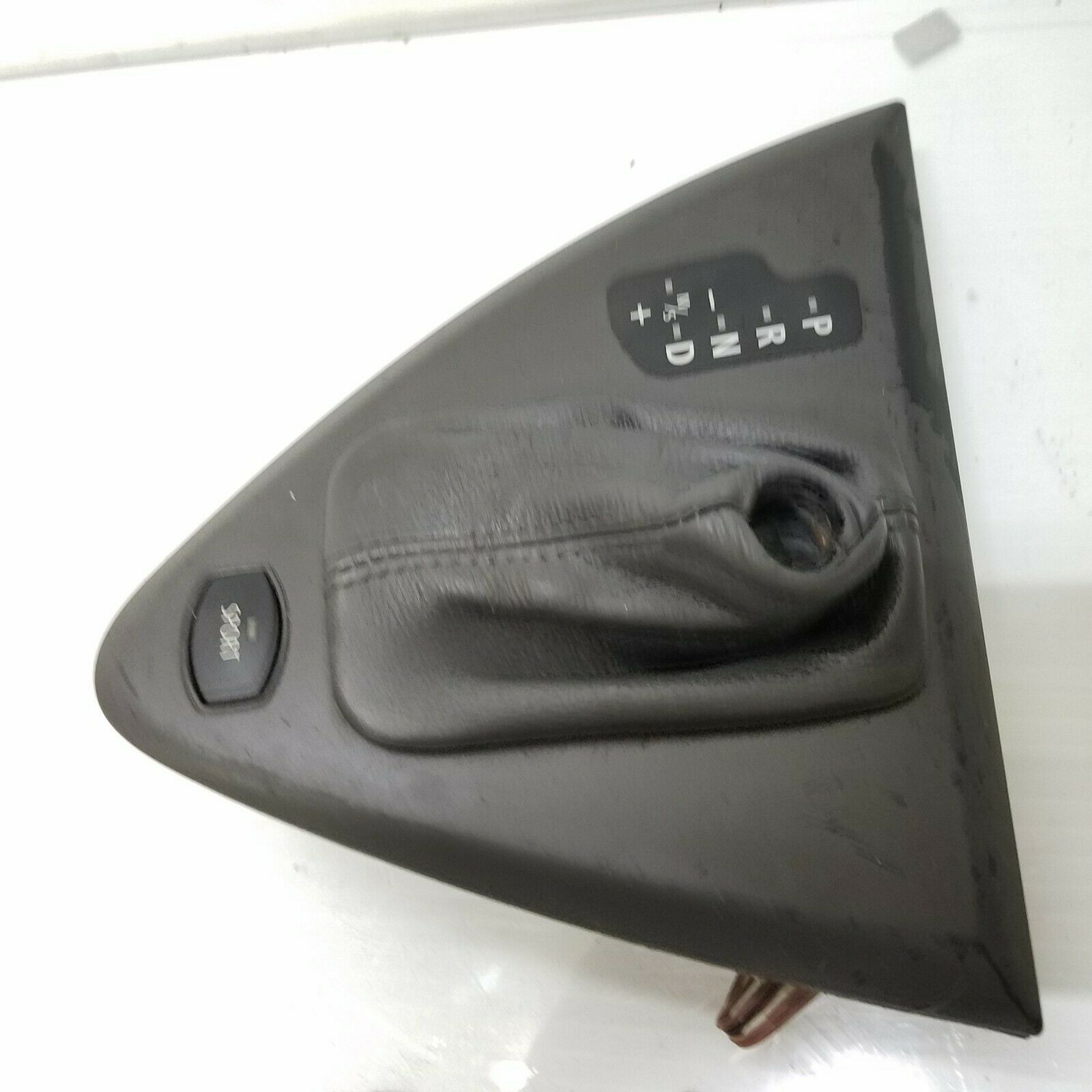 2004-2007 BMW 645Ci 650i CENTER CONSOLE AUTOMATIC GEAR SHIFTER TRIM OEM 7009314  Does not apply E63BM6