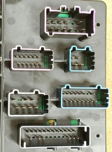 63aa75d7 76b7 45ce 9968 4f14989a4370 03 06 navigator expedition fuse box power distribution oem pn Circuit Breaker Box at soozxer.org