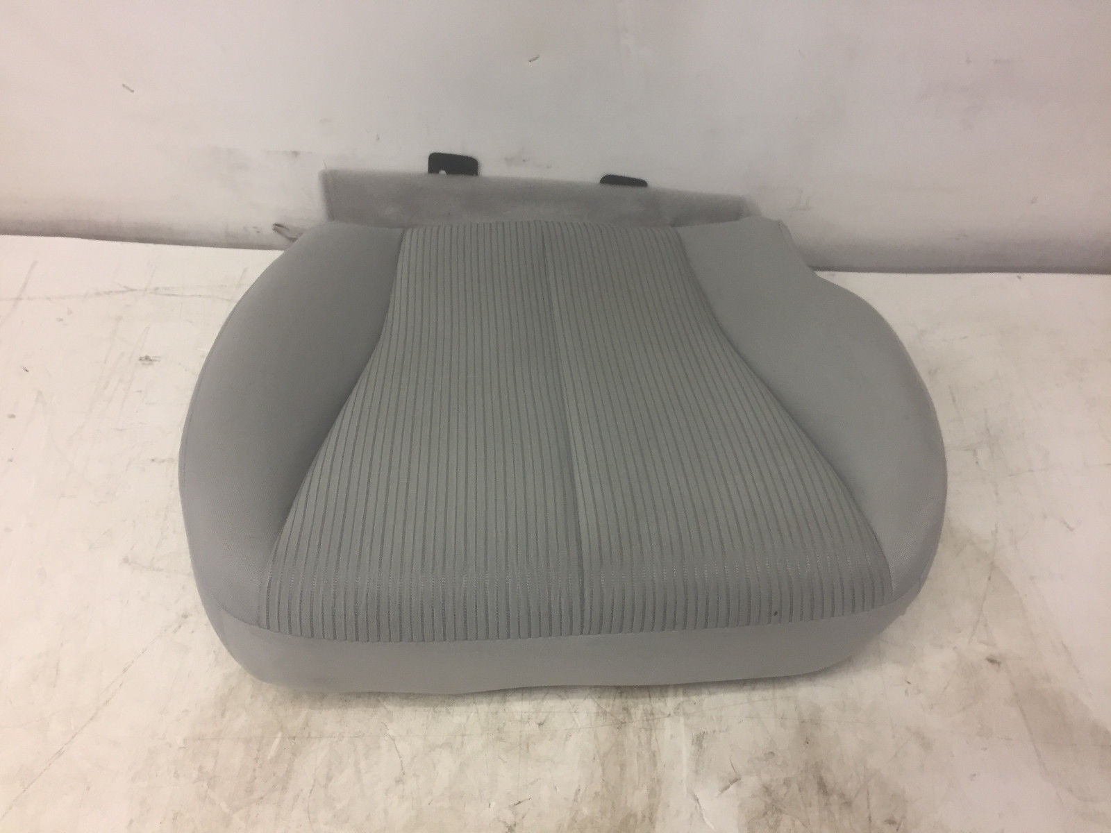 2013 Toyota Venza Front Right Passenger Said Lower Cover Grey Seat