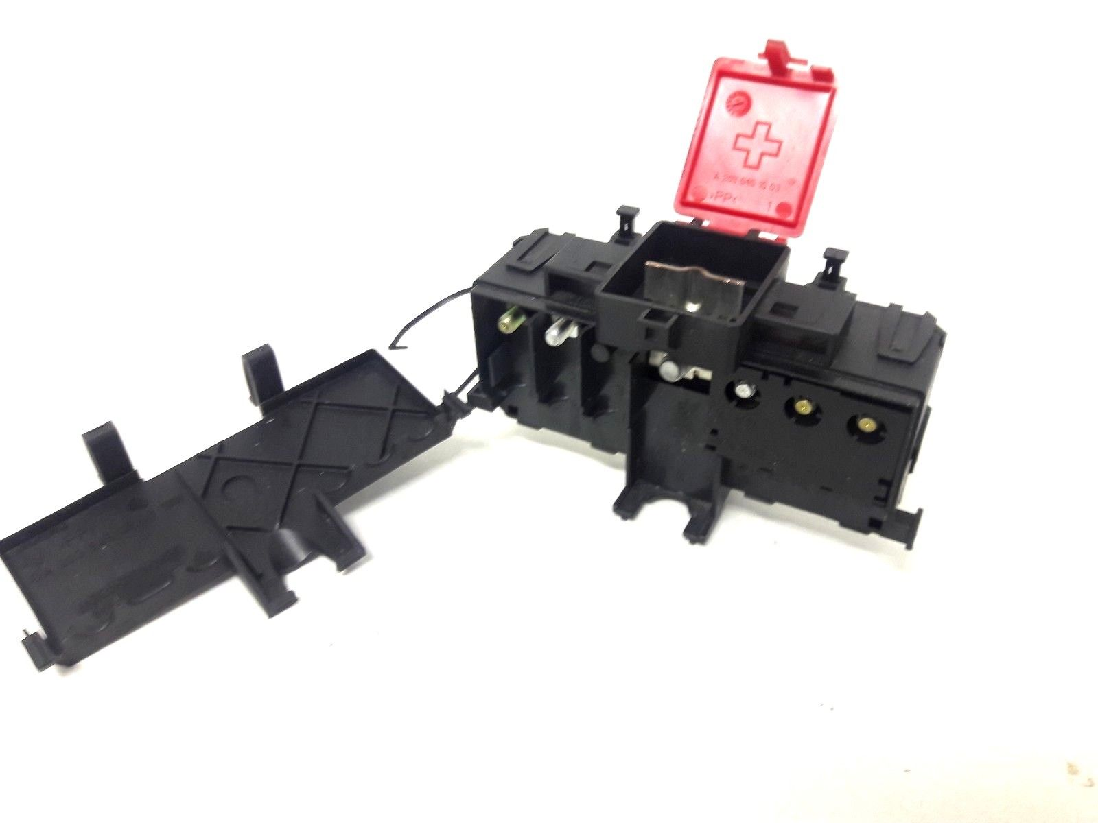 2006 Mercedes C230 Positive Battery Terminal Charge Junction Fuse Box 2035450301 Does Not Apply
