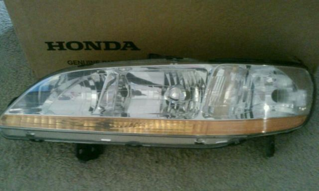 Honda Accord EX 3.0 LTR 2door COUPE left headlamp 2001