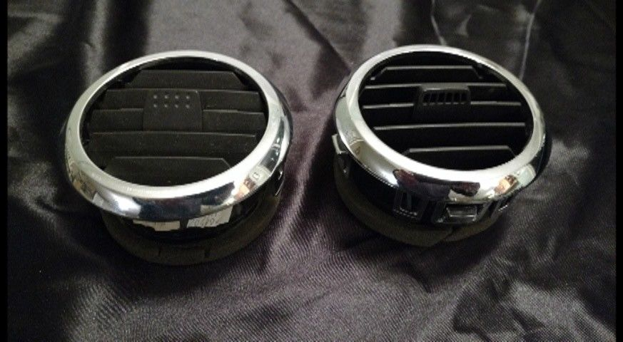 set of two 2006-2010 FORD EXPLORER  DASH AC VENTS