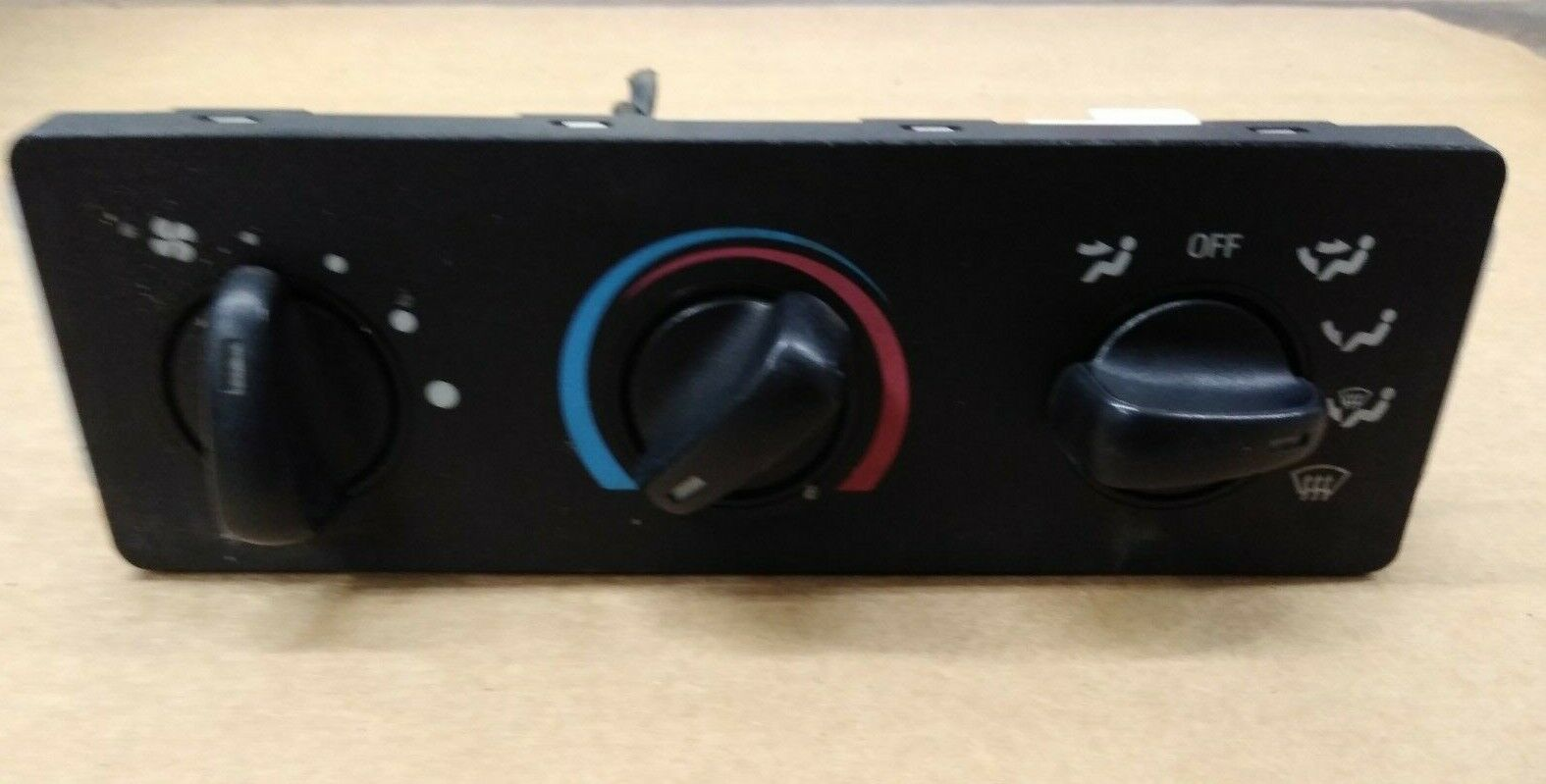 1999-2004 Temperature Control Without AC  F250SD PICKUP climate control unit 655-00804